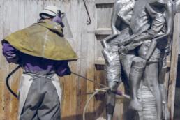 Wasserstrahlen der Skulpturen-Gussteile